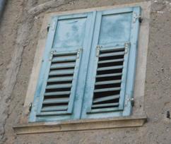 Riparazione e ristrutturazione persiane e antoni in legno team legno - Verniciatura finestre prezzi ...